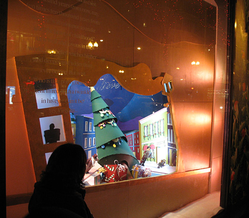 State Street Showdown 2010 - Macy's - Christmas Window #7